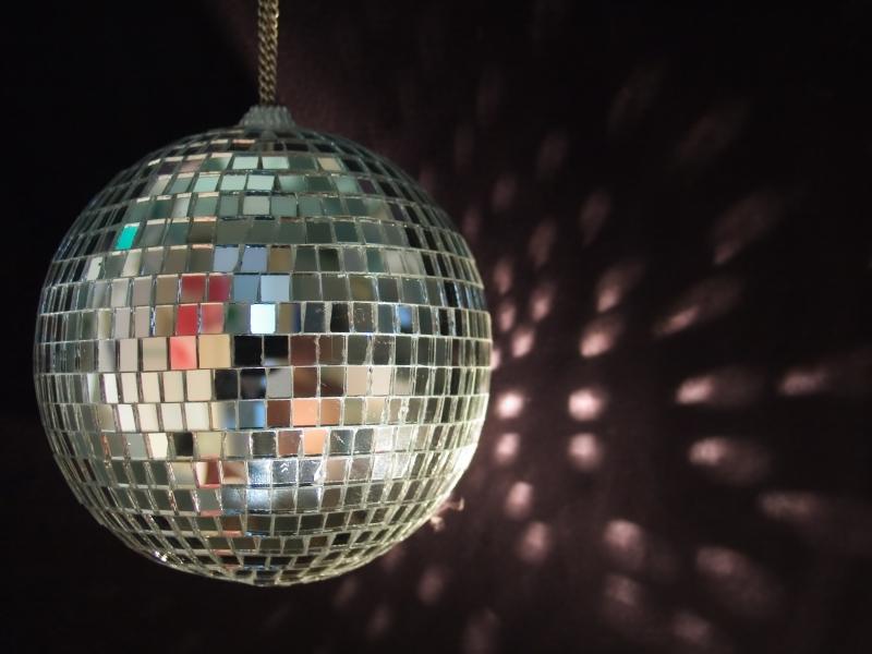 19883-shiny-disco-ball-reflections