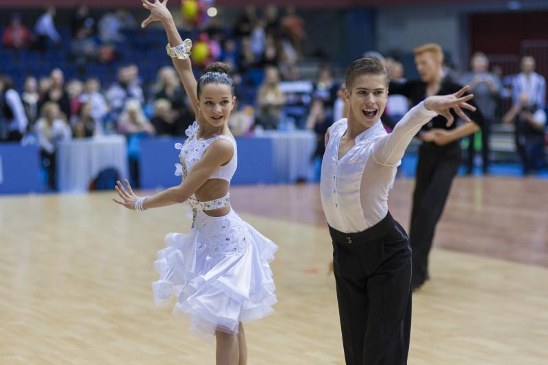 9017517-minsk-belarus-february-23-unidentified-dance-couple-performs-youth-2-latin-american-program-on-open-minsk-wdsf-championship-2014-on-february-23-2014-in-minsk